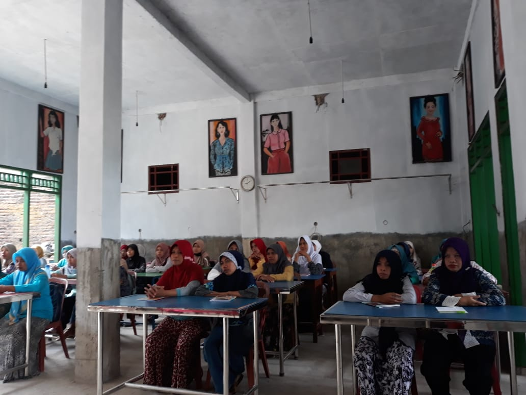 Pembinaan IKM dalam memperkuat Jaringan Klaster Industri melalui Kegiatan Pelatihan Konveksi Bagi IKM di Kabupaten Kebumen Tahun 2018